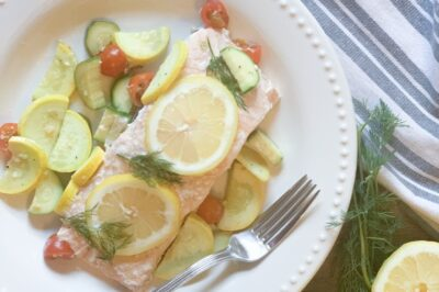 easy oven baked salmon foil packets with fresh vegetables