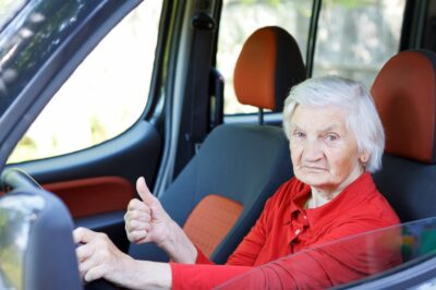 Should an Elderly Person Drive?